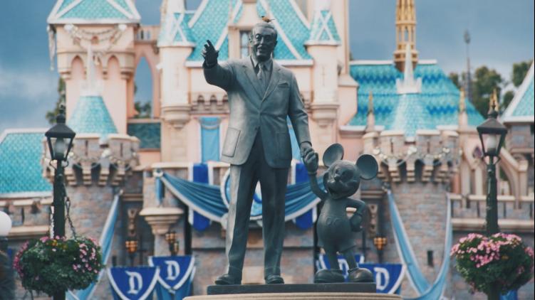 Le studio 20th Century Fox va abandoner « Fox » dans son nom sous l'influence de Disney